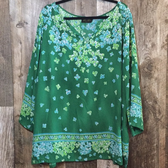 Bob Mackie Tops - 3X Beautiful Floral Blouse!